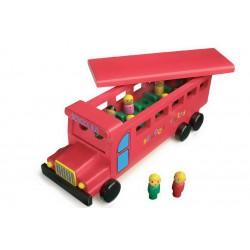 dreveny-skolni-autobus